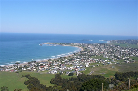 Birds eye view Apollo Bay.JPG