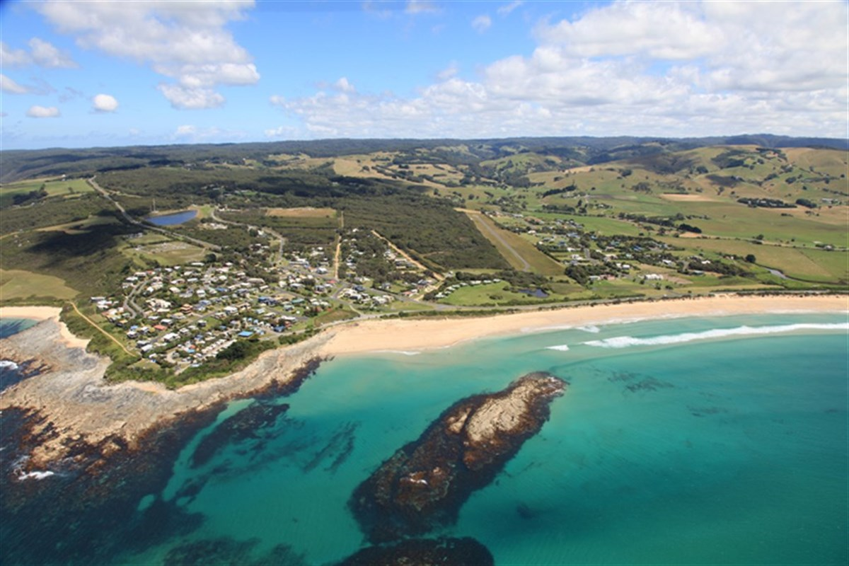 council asks planning minister to call in apollo bay