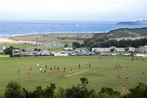 Apollo-Bay-Recreational-Reserve-football-game