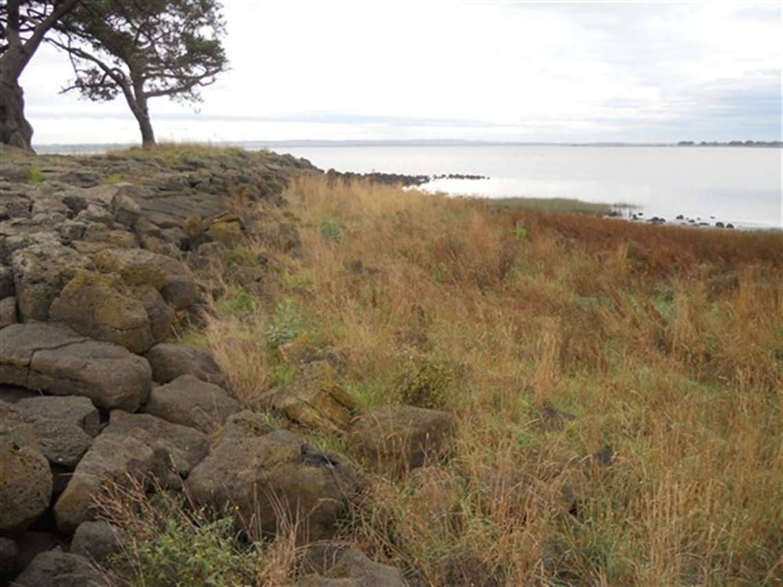 Foreshore of Lake Colac at Meredith Park