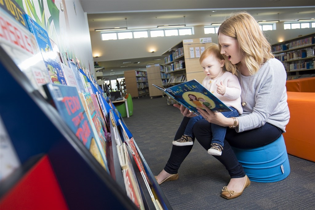 Hannah & Olive at the Colac library